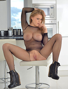 Girls in nylons like to fuck